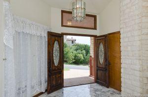 Foyer_-1.jpg