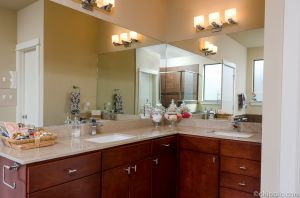 Master Bathroom2.jpg